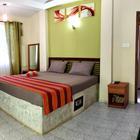 UNAWATUNA Apartments. . Garden view bedroom