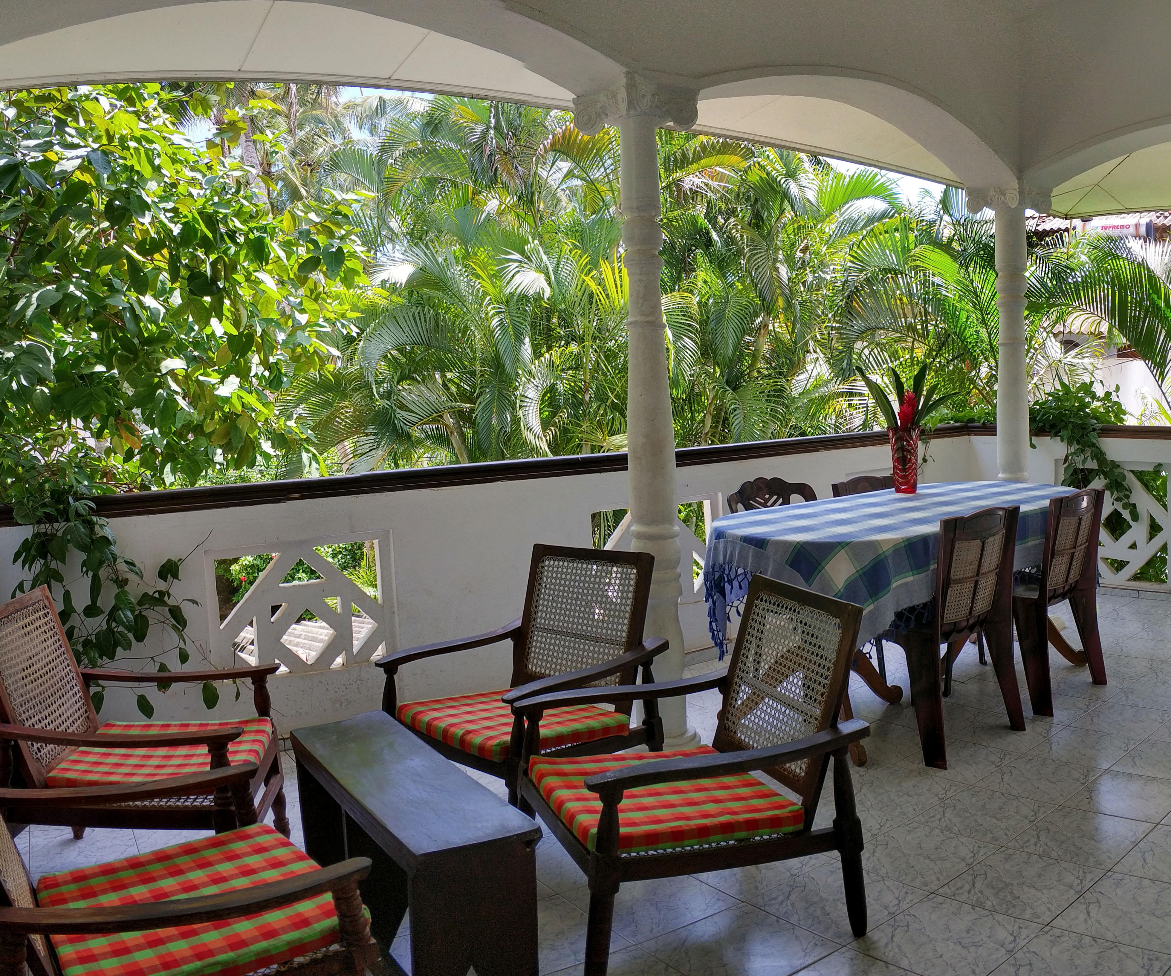 UNAWATUNA Apartments. . Garden view terrace